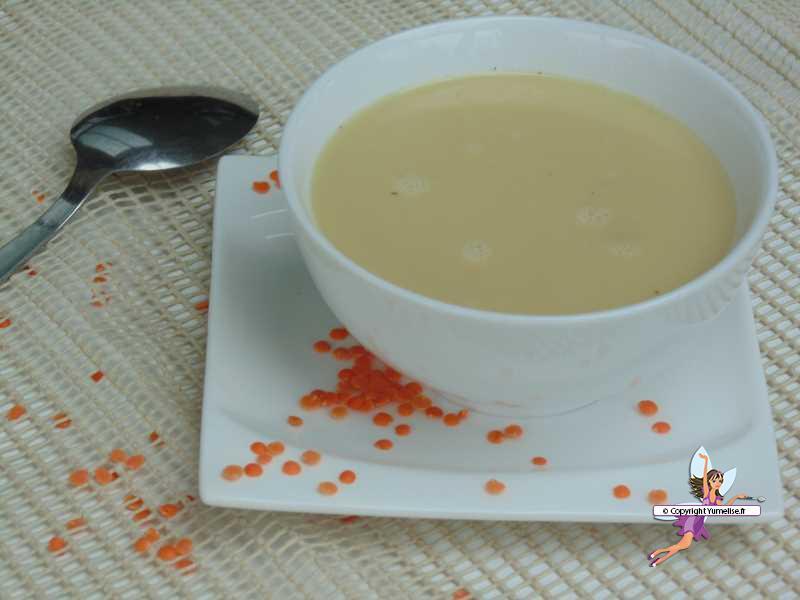 Velouté de lentilles corail au lait de coco