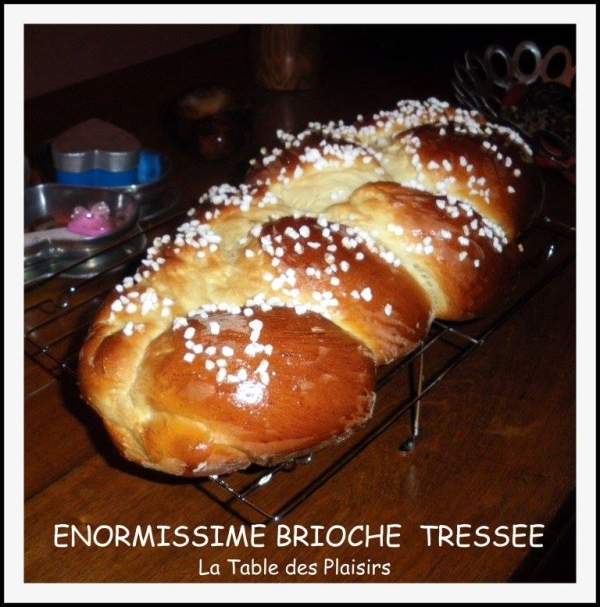 brioche la table des plaisirs tressee.jpg red