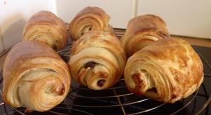 croissants faciles version pains choco dans la cuisine de jess.jpgred