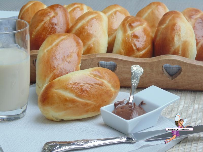 Pains au lait extra moelleux yumelise recettes de cuisine - Recette petit pain au lait ...