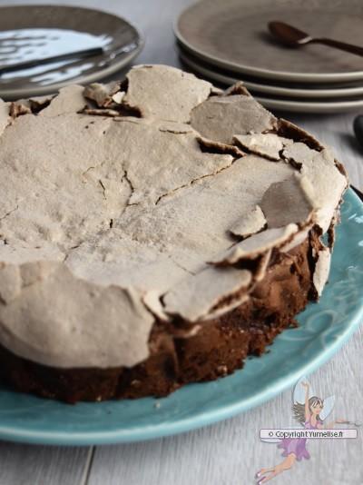 gâteau au chocolat meringué cuit