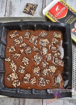 brownie noisettes et amandes dans le moule