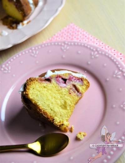 part de bundt cake à la fraise
