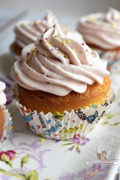 cupcake à la fraise et au chocolat blanc