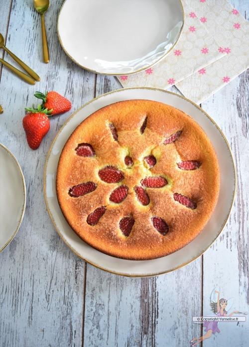 gâteaux à la fraise dessus