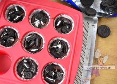 muffins Oreo et morceaux à l'intérieur