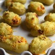petites pommes de terre farcies avec du chorizo