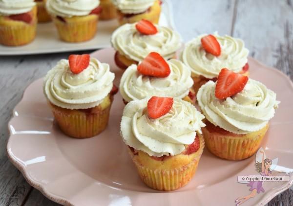 12 cupcakes aux fraises