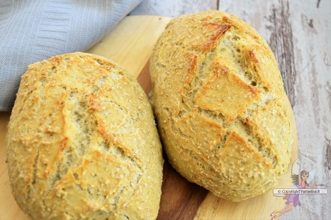 pain au son d'avoine cuit sous cloche