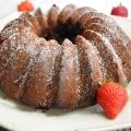 bundt cake chocolat et fraises mara des bois
