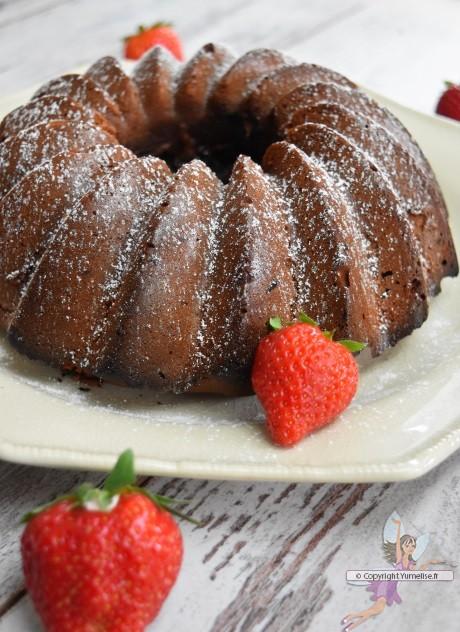 bundt cake à la fraise et au chocolat