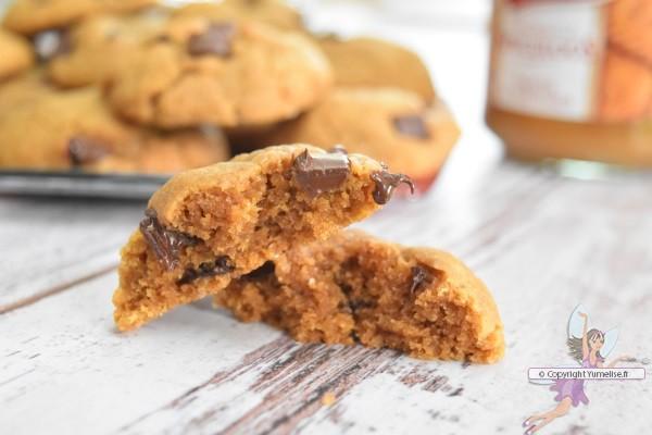 un cookie à la pâte de spéculoos