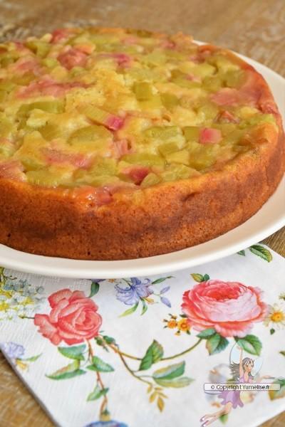 gâteau à la rhubarbe tatin