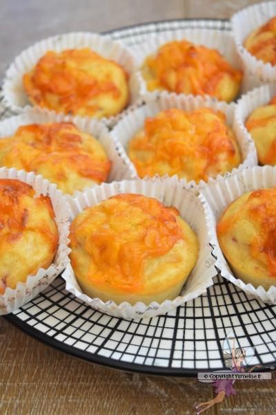 muffins au cheddar, bacon et compote de pommes