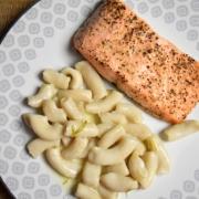pâtes et saumon à l'unilatérale