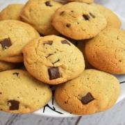 cookies à la noisette, lait concentré sucré, chocolat