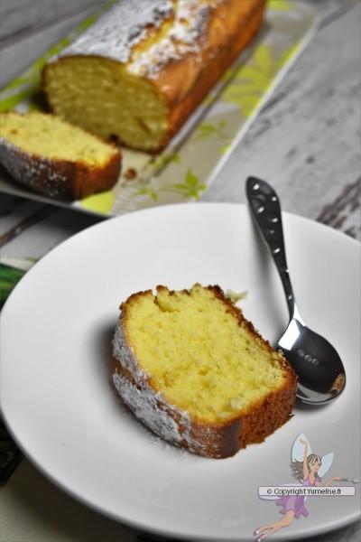 part de cake citron vert et jaunes d'oeufs