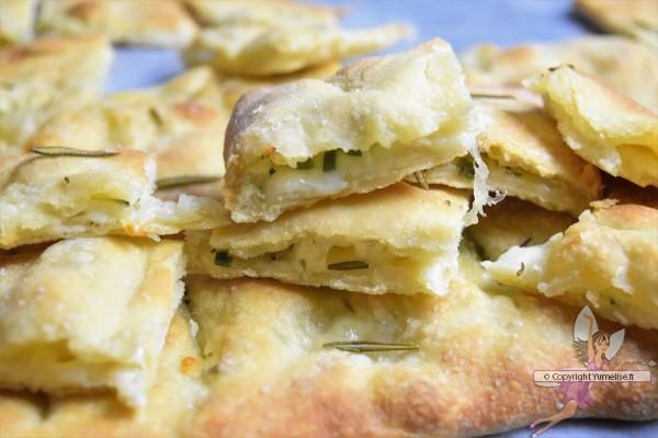 morceaux de fougasse mozzarella