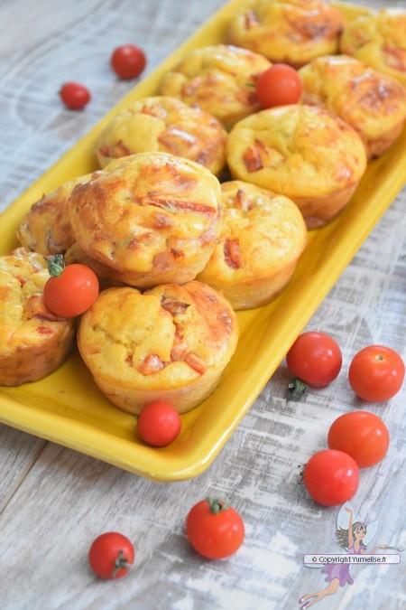 muffins aux dés de tomate et aux lardons