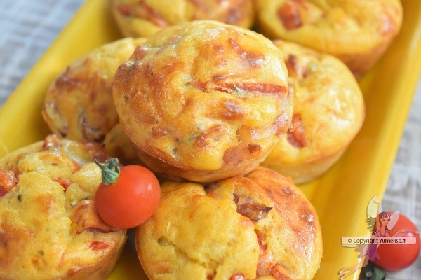 un muffin à la tomate