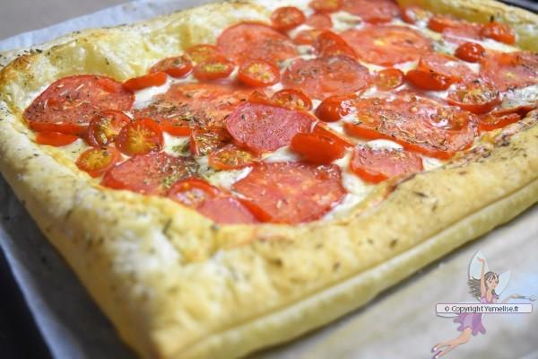 tomates sur pâte feuilletée