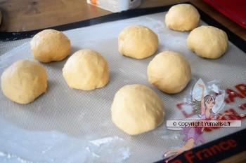 8 boules de pâte