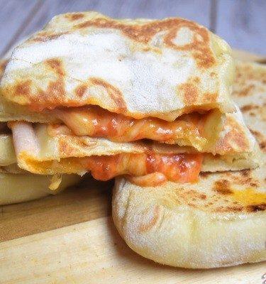 pains farcis gouda et sauce tomate