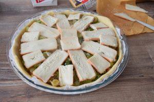 Préparation de la tarte aux poireaux et maroilles