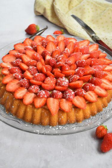 Tarte en génoise et fraises