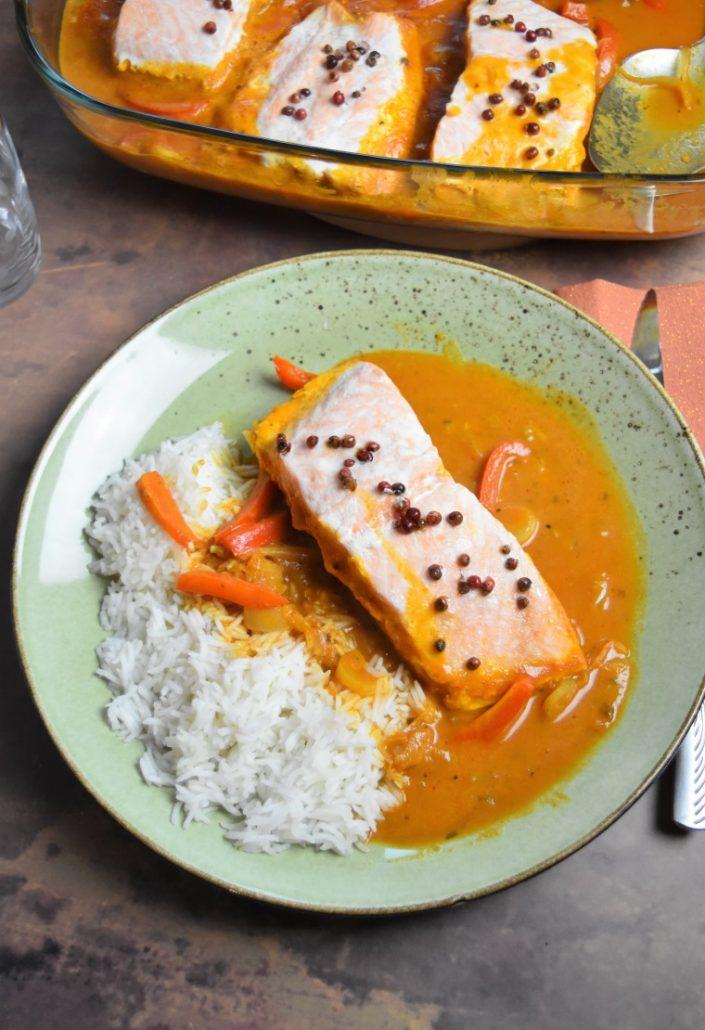 Tikka masala de saumon accompagné de riz basmati