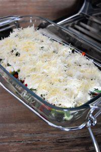 Préparation du gratin aux légumes d'été