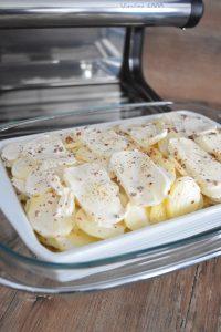 Plat de pommes de terre et mozzarella
