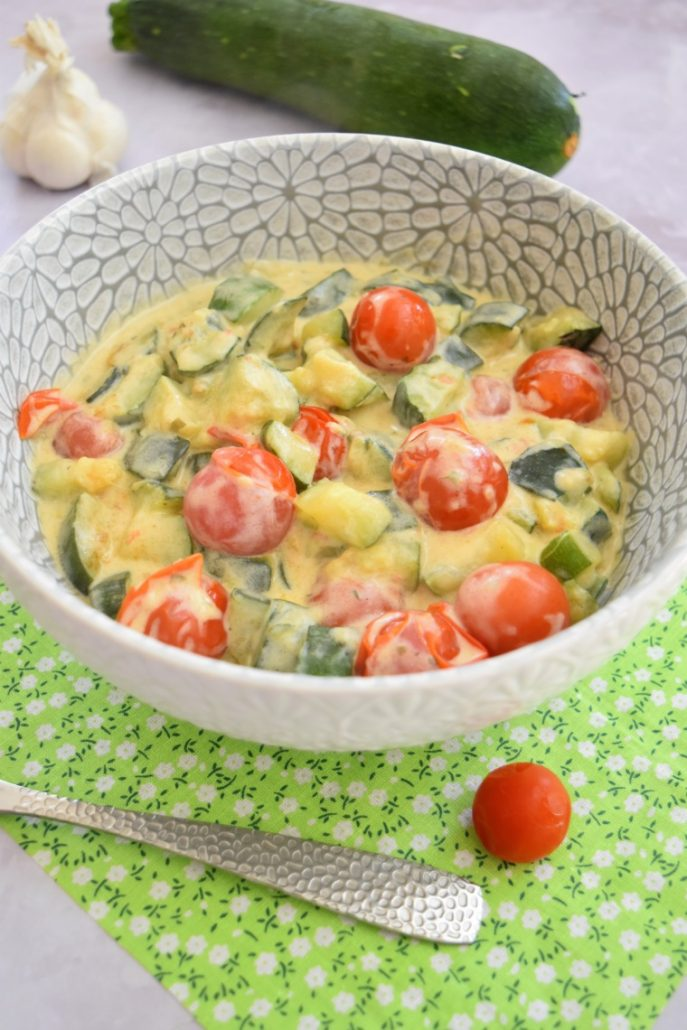 Courgettes, tomates cerises au fromage