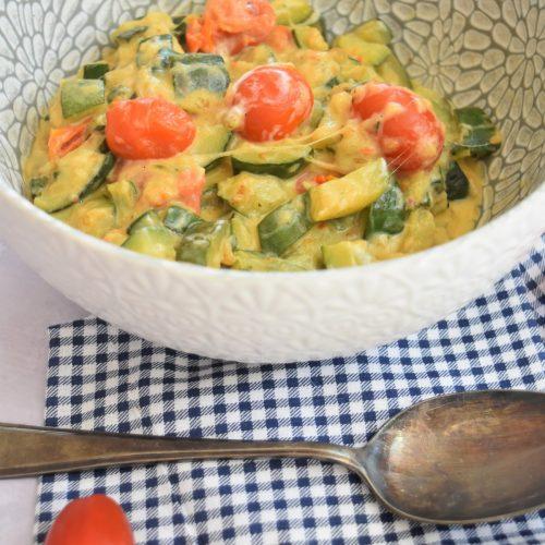 Poêlée de courgettes et tomates à la mozzarella