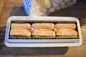 Bûche à la mousse au chocolat et biscuits à la cuillère