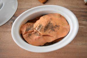 Préparation de la terrine de foie gras