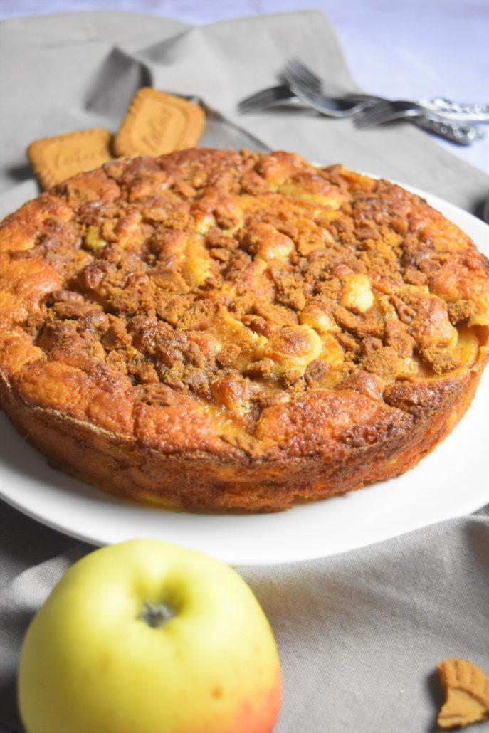 Gâteau moelleux aux pommes et spéculoos