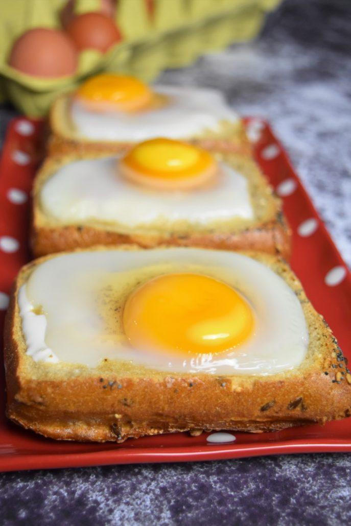 Oeuf cocotte dans un pain