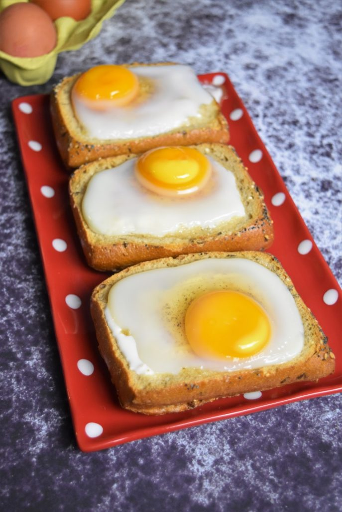 Oeufs cocotte dans un pain