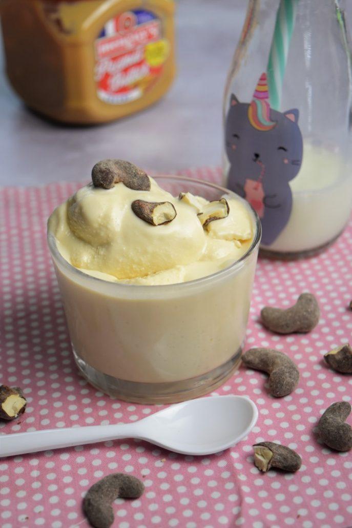 Glace au beurre de cacahuètes maison