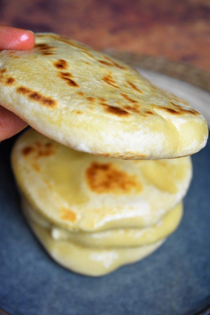 Pain au fromage cuit à la poêle