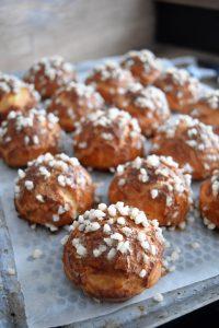 Choux au sucre perlé cuits