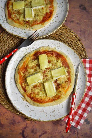 Cuisson de la pizza sur pierre