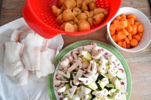 Pommes de terre, champignons, courgette, carottes, cabillaud