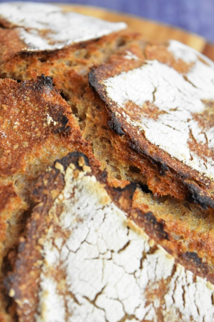Croûte du pain intégral blé et seigle