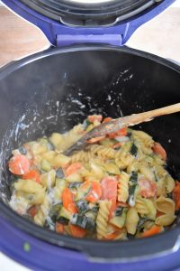 Pâtes, légumes, fromages au Cookeo