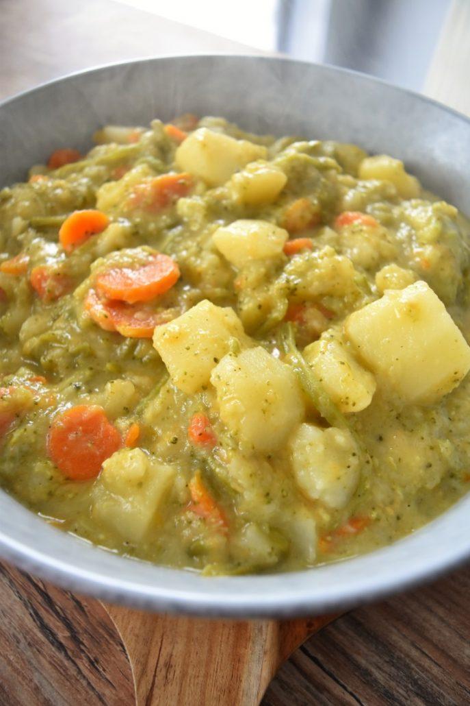 Pommes de terre, cheddar, légumes au Cookeo
