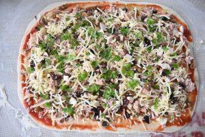 Pizza au thon roulée