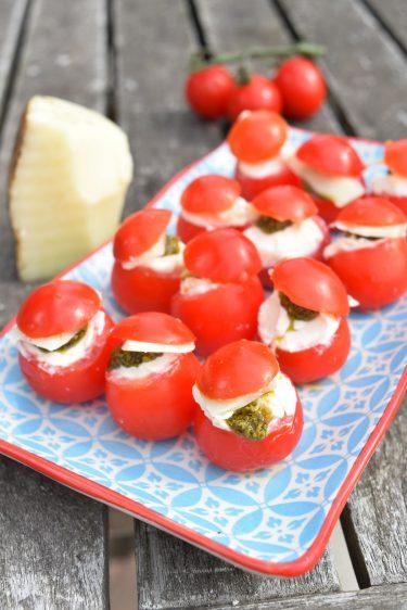 Tomates cerises farcies pour l'apéritif