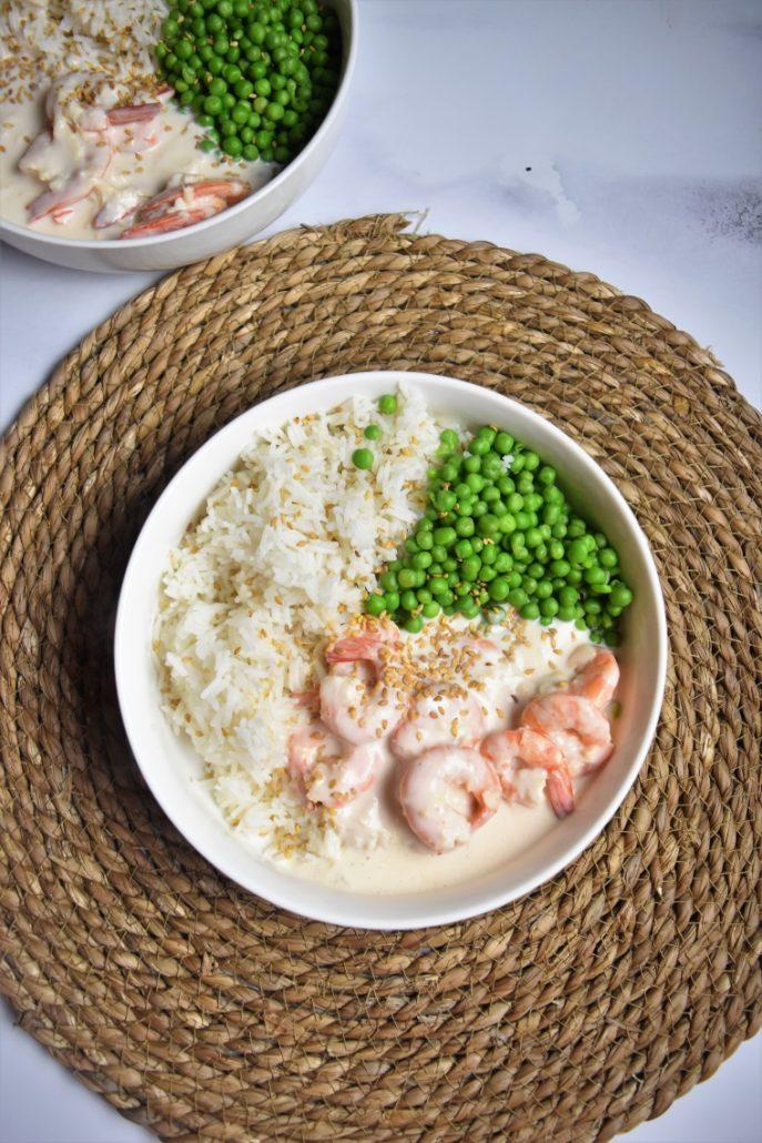 Bowl aux crevettes, riz et petits pois